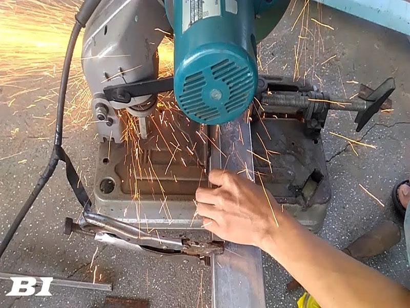 Máy cắt sắt thép là gì? Ưu điểm của máy cắt sắt thép.
